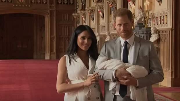 Букингемский дворец поздравил сына Меган Маркл и принца Гарри с днем рождения