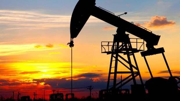 Россия готова сократить добычу нефти, аСША— нет