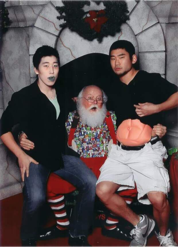 yearly-ageless-santa-pictures-03-576x800