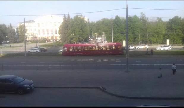 Неопять, аснова: казанцы пожаловались насошедший срельсов трамвай