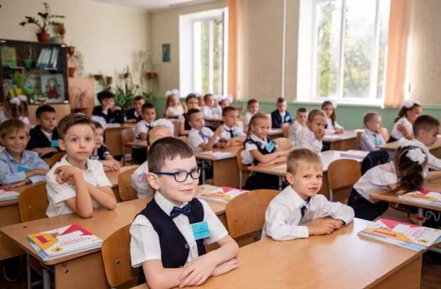 В Приднестровье ученики первых и вторых классов возвращаются в школы