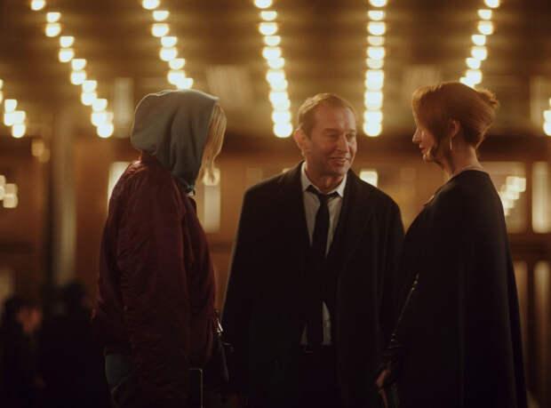 IVI покажет фильм «Трое» на кинофестивале «Безграни...