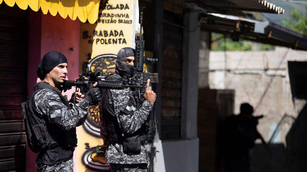 Появилось видео с места перестрелки в метро Рио-де-Жанейро