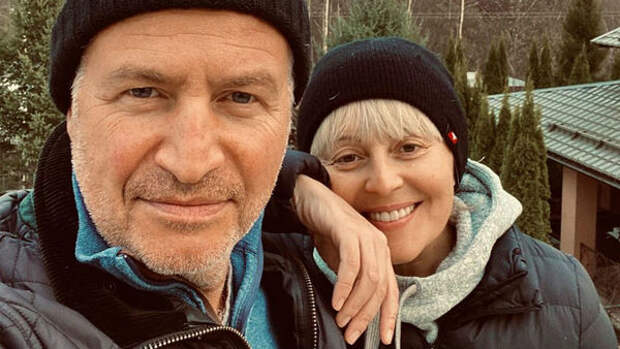 """Агутин рассказал, как провел дни в состоянии развода из-за """"популярного видео"""" с брюнеткой"""