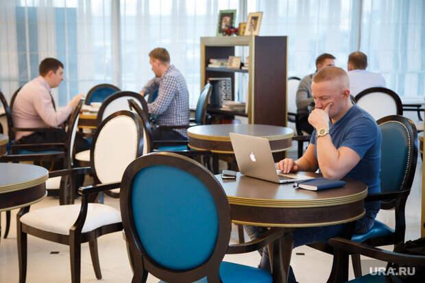 Аналитики: половина россиян устала работать