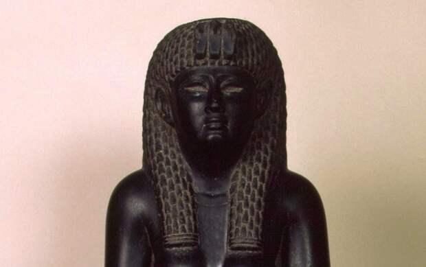 Египетская скульптура Клеопатры, I в. до н.э.