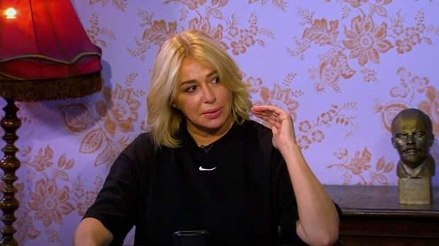 Певица Алена Апина рассказала об операции по уменьшению талии
