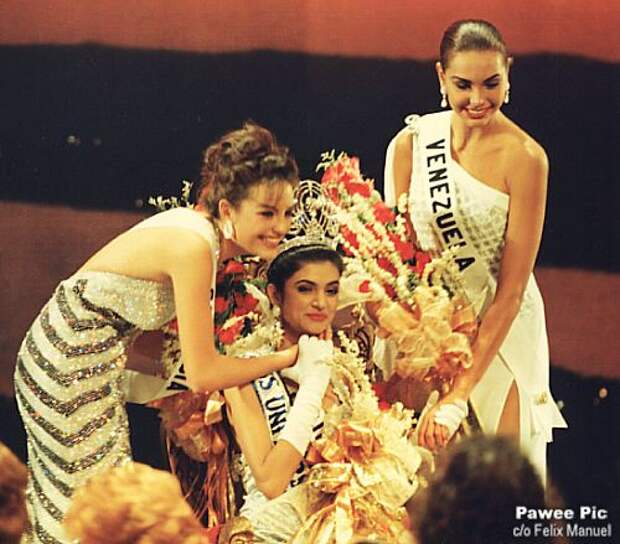Сушмита Сен на конкурсе Мисс Вселенная 1994  фото / Sushmita Sen Miss Universe 1994 photo