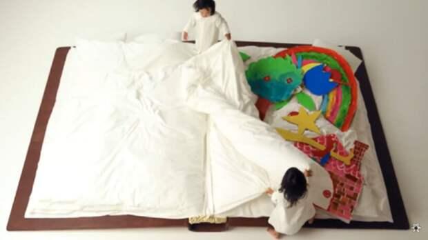 Видео: Удобно ли спать в книге или на американских горках