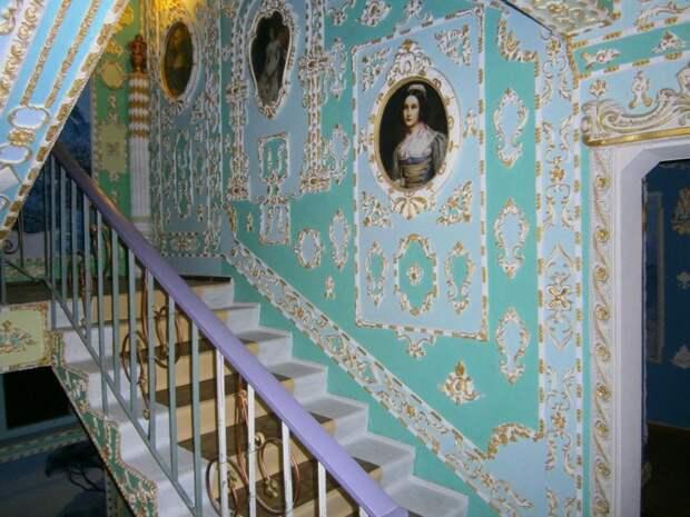 Подъезд жилой многоэтажки превратили в дворец XVIII века Стиль, дворец, киев, подъезд, ремонт