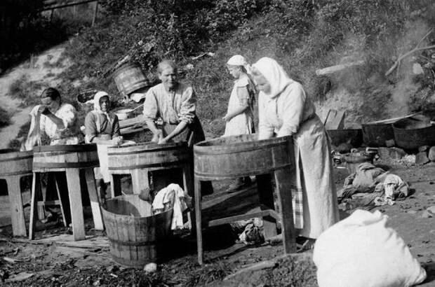 Как в прошлые времена хозяйки стирали белье