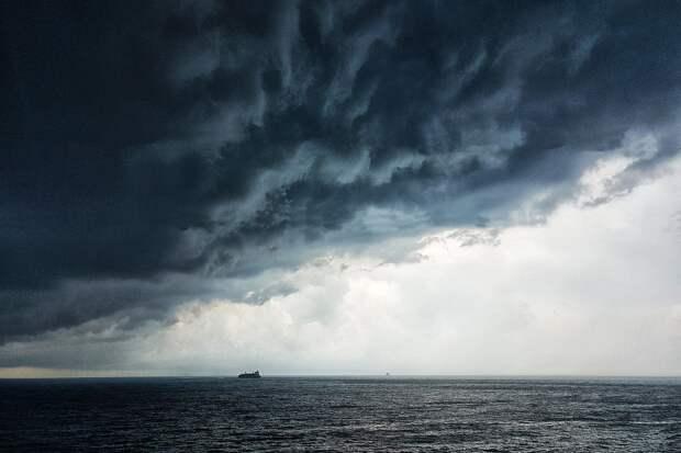 Британцы заявили, что экипаж эсминца Defender действовал в рамках международного права