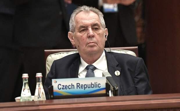 Президент Чехии увязал взрывы во Врбетице с попыткой скрыть нехватку оружия