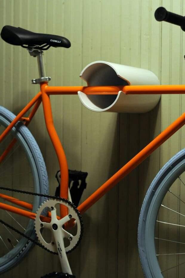 Велосипед на трубе