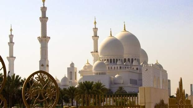 ОАЭ отменили обязательный карантин для россиян после прибытия в Абу-Даби