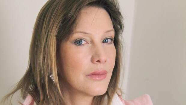 Актриса Елена Проклова рассталась с квартирой из-за долгов