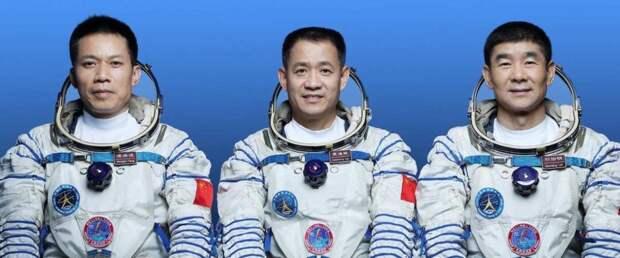 Китай успешно отправил космонавтов на собственную станцию