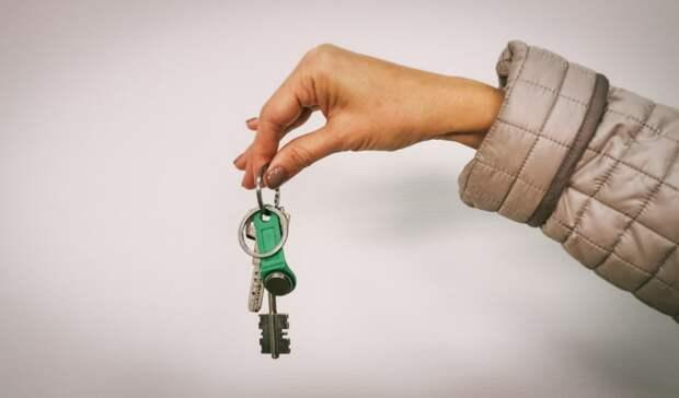 Сироте в Переволоцком районе шесть лет не давали положенную квартиру