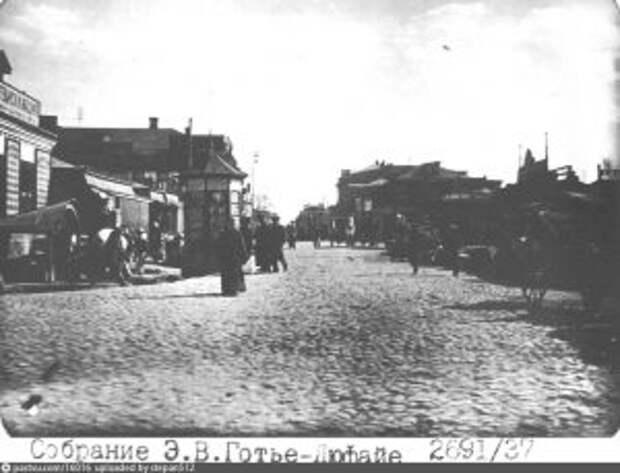 Октябрьская улица была Александровской, и жили на ней мещане
