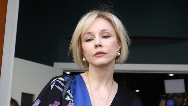 """Вдова Табакова хочет, чтобы из выпуска """"Сегодня вечером"""" вырезали кадры с ее участием"""