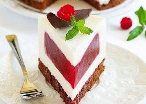 Волшебно вкусный сливочно-малиновый торт-суфле
