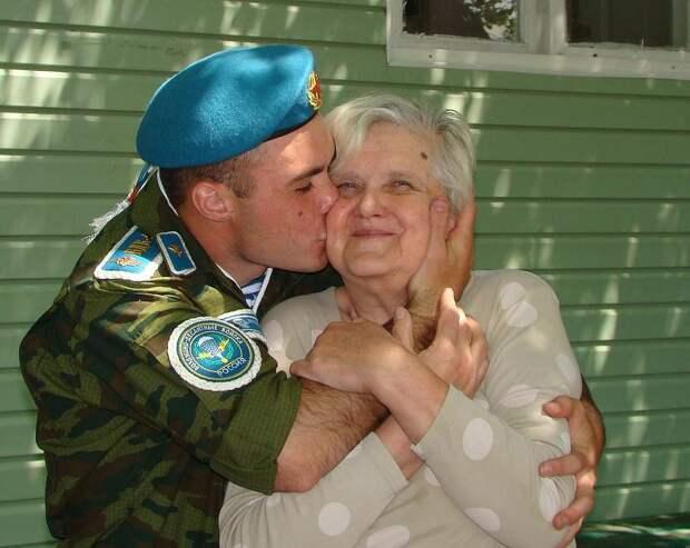 Все дети, кого вырастила Татьяна Сорокина, считают своей мамой. Фото: страница соцсети героини публикации.