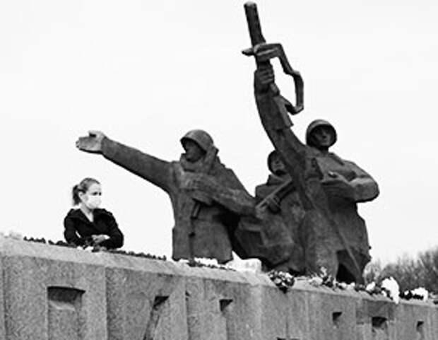 Монумент советским солдатам – как бельмо в глазу для латвийских националистов