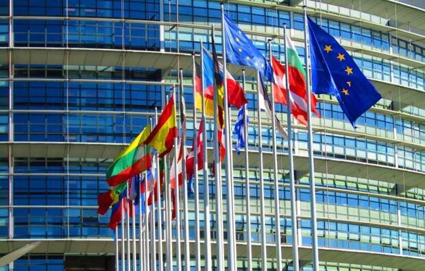 Евросоюз оказался в одном шаге от «Холодной войны-2» с Россией