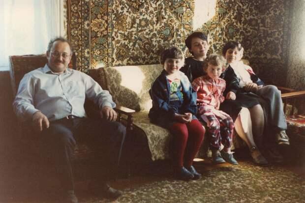 21 мгновение 1989 года. Страна счастливых людей была ещё жива...