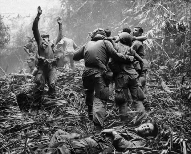 7. Спасение с поля боя Вьетнам, война во вьетнаме, вьетнамская война, сша