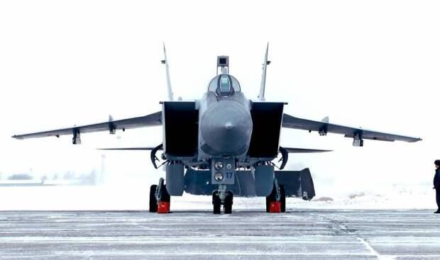 Россия защитит Арктику с помощью новейшего перехватчика МиГ-41