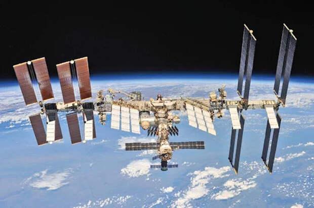 Американцы жгут или откуда на МКС дырки
