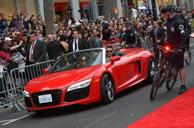«Гений, миллиардер, филантроп»: на каких автомобилях ездит актер Роберт Дауни-младший