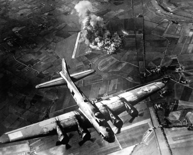 Бомбардирока Мариенбурга, 1943 год. <br>