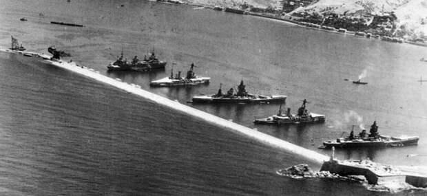 Французские корабли в Мерс Эль Кебире