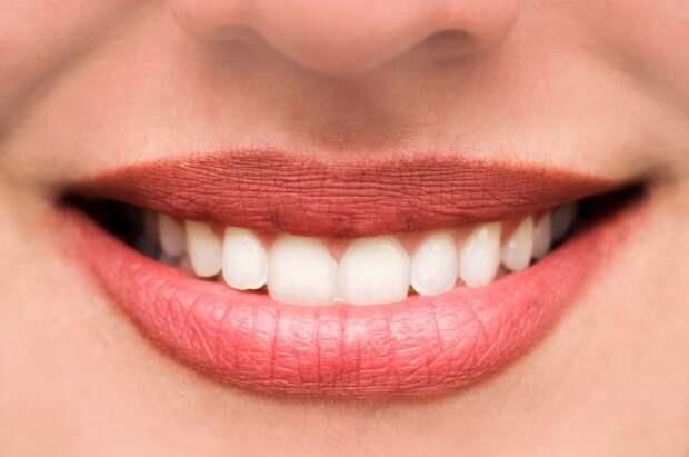 Почему могут появляться травмы зубов