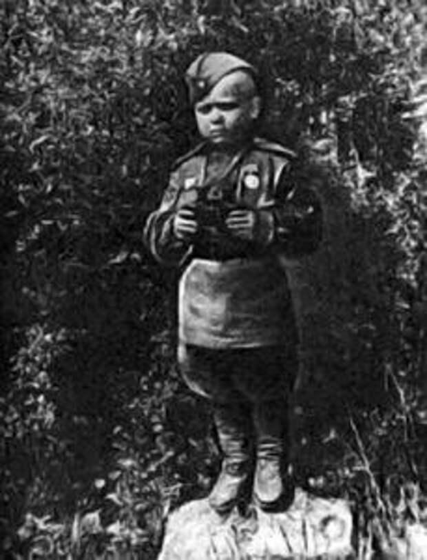 Боец Алёшкин
