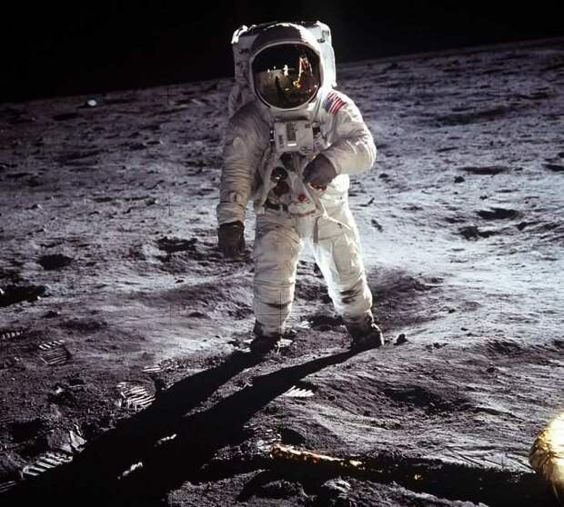 WikiLeaks: Высадка США на Луну снималась в пустыне штате Невада и павильоне киностудии
