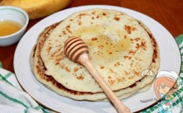 Блины с бананом на молоке - рецепт с фото