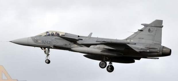 С 2014 года в «миссии ядерного удара» регулярно принимают участие истребителиF-16 JastrzabsВВС Польши иJAS39 GripensВВС Чехии.