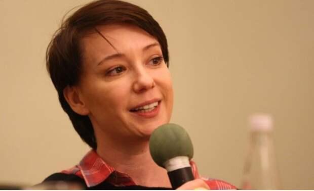 Коллеги Чулпан Хаматовой по театру заявили о ее четвертой беременности