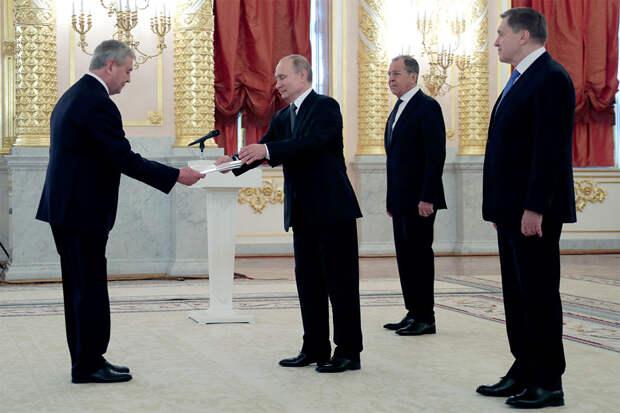 Полдюжины реальных кандидатур на замену многовекторному Лукашенко