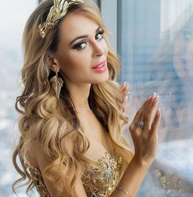 Анна Калашникова потеряла ребенка и требует с психолога миллионы