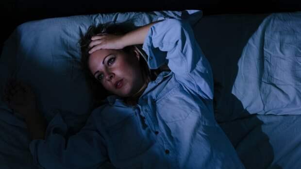 Недостаток сна оказался связан с неизлечимым заболеванием мозга