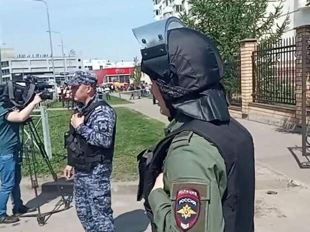 В Татарстане после трагедии в казанской школе объявили траур