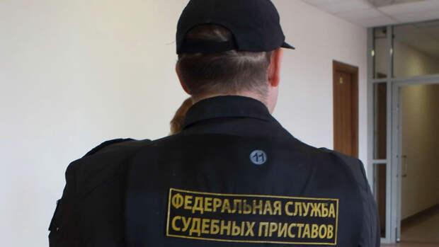 Госдума ограничила общение коллекторов с близкими должника