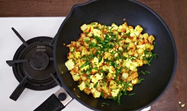 """Жареная картошка """"по-индийски"""" быстро и без хлопот, а главное вкусно"""