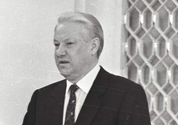 Бывший вице-премьер Полторанин заявил, что Ельцин не захотел присоединять Крым