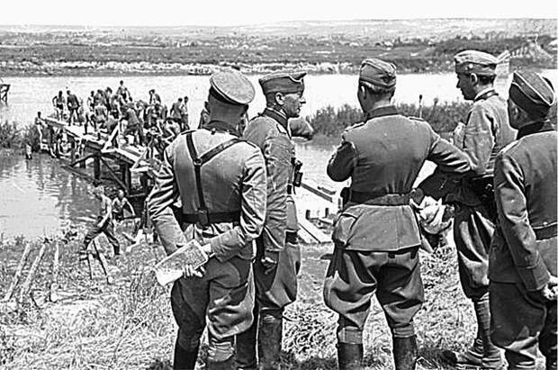ФРГ направит запрос РФ о правовой помощи по преступлениям нацистов
