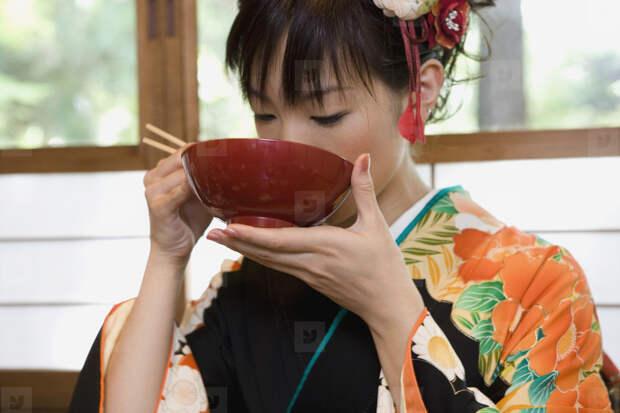 Как японцы восхищаются едой